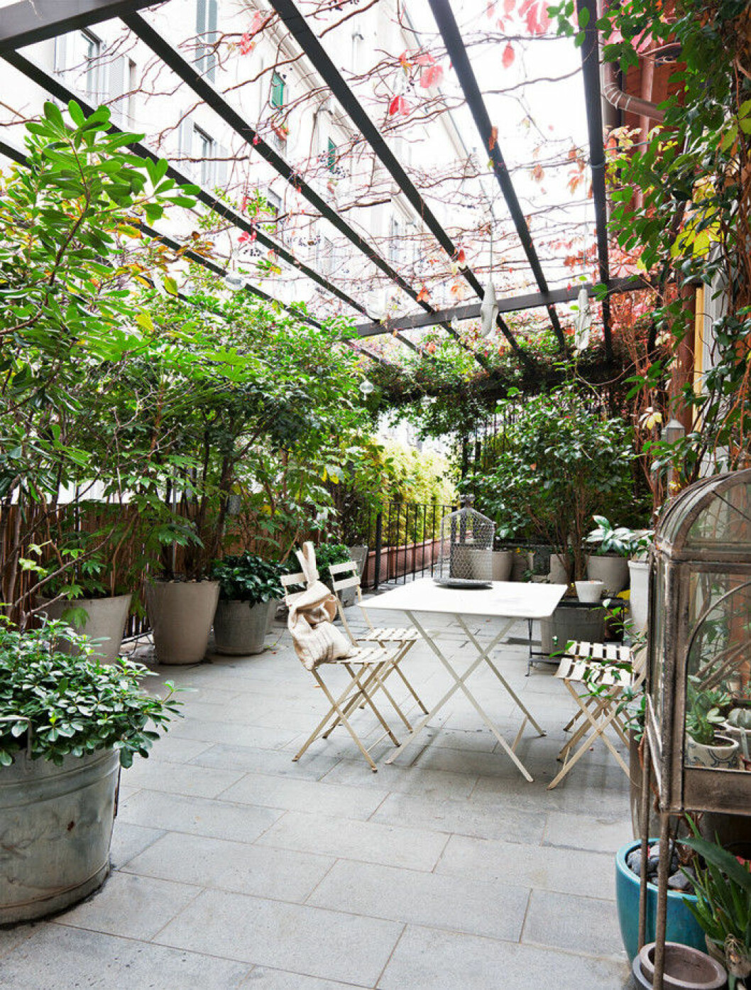 pergola_utemobler_outdoor_furniture_plant