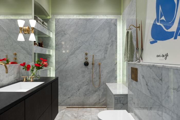 Petra Tungårdens badrum i marmor