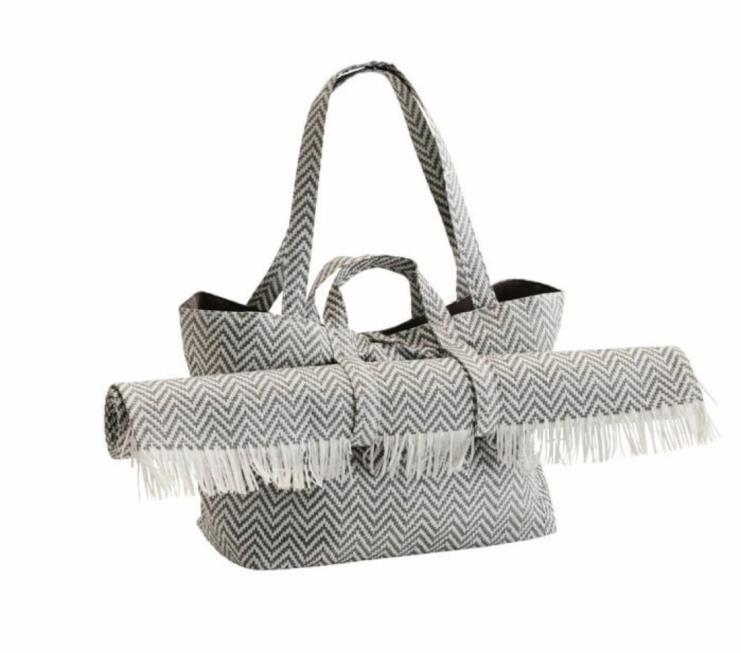 Picknickväska med tillhörande matta i snyggt zic-zack mönster