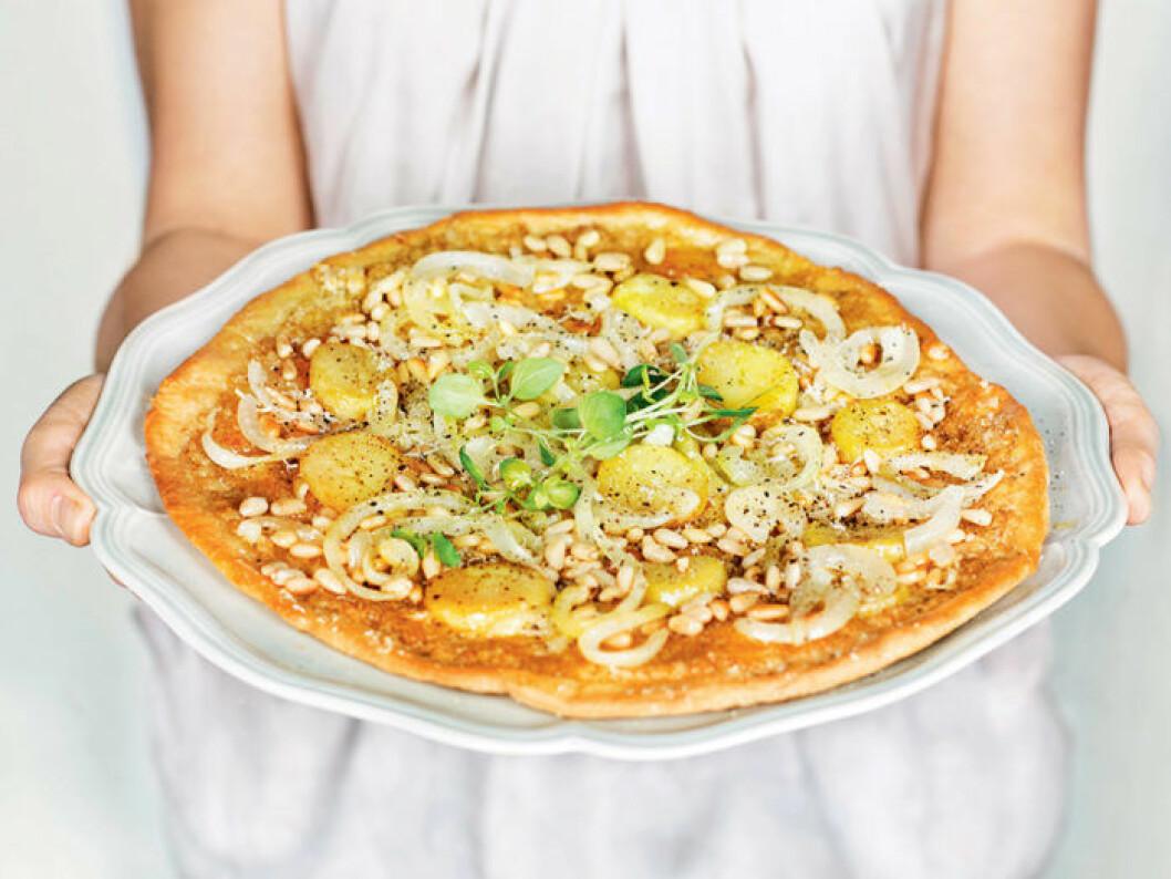 Pizza bianco med kronärtskockskräm.