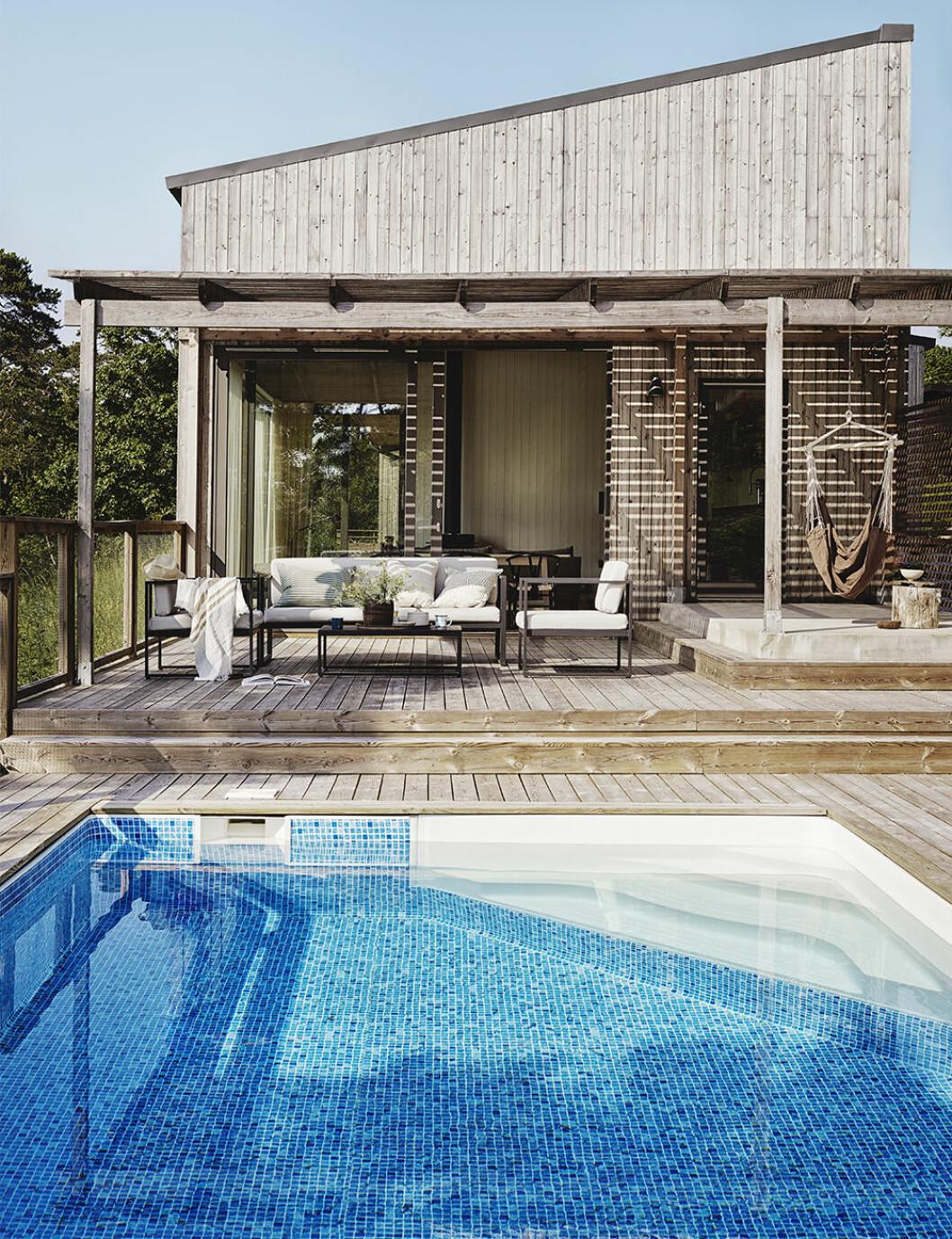 Fixa stilen på uteplatsen och vid poolen i sommar