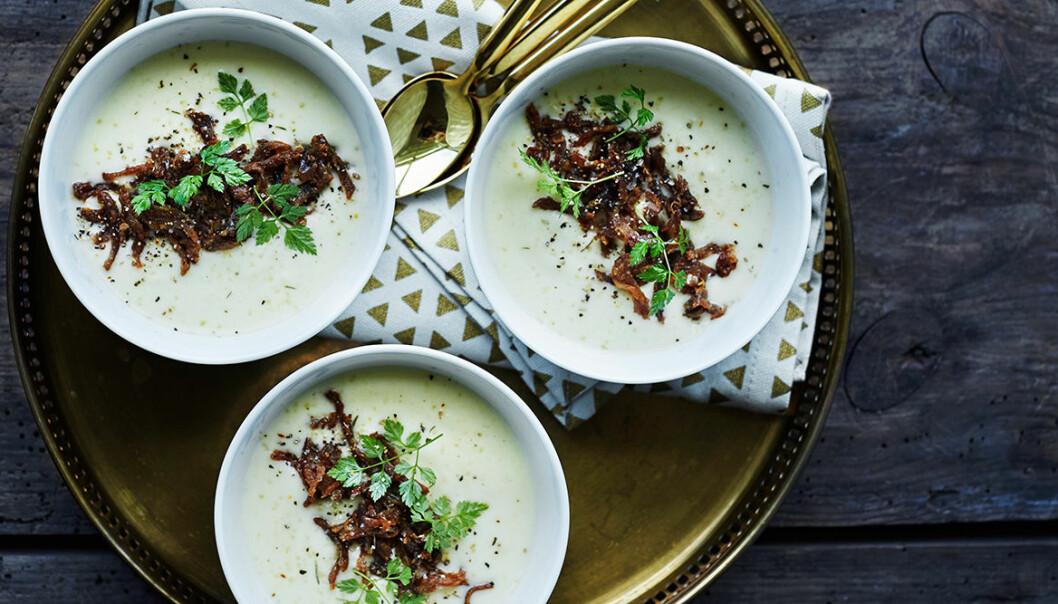 Recept på potatis- och jordärtskockssoppa med renskav