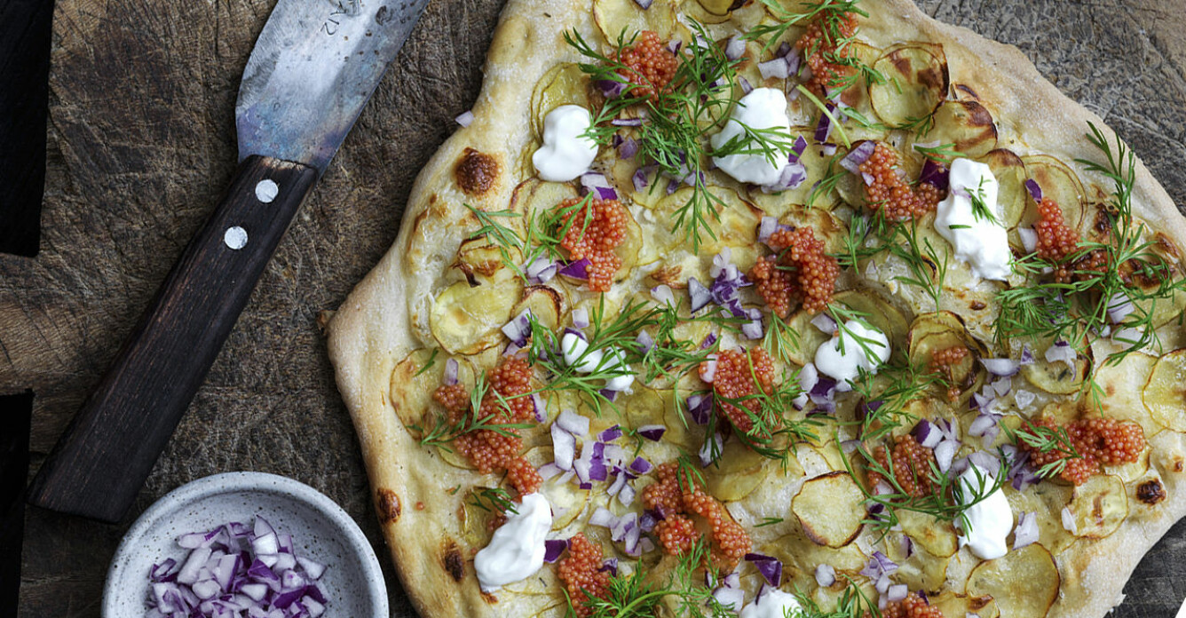 Recept på potatispizza med crème fraiche och rom