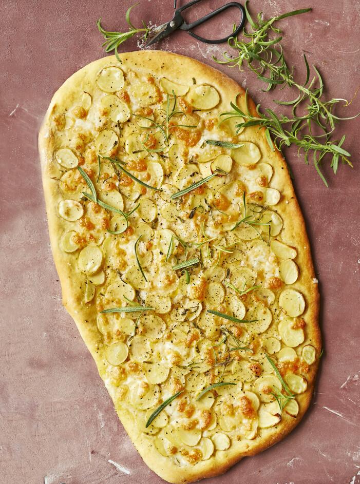Så gör du potatispizza med tryffelpesto