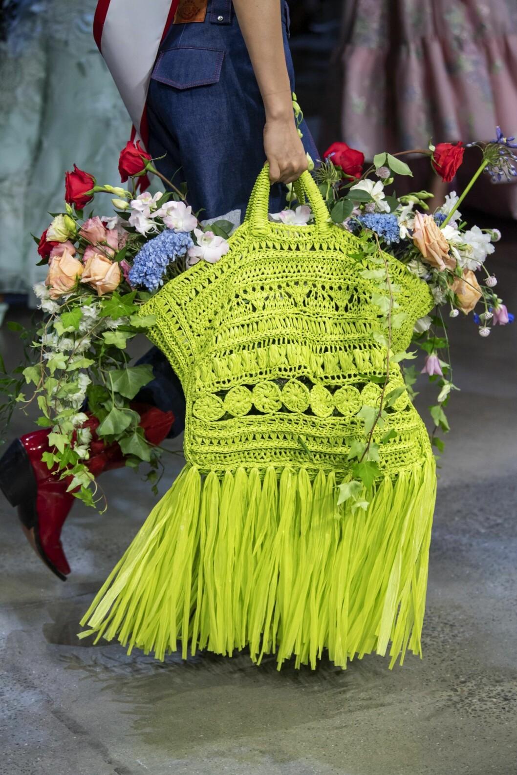 Prabal Gurung väska med blommor i SS20