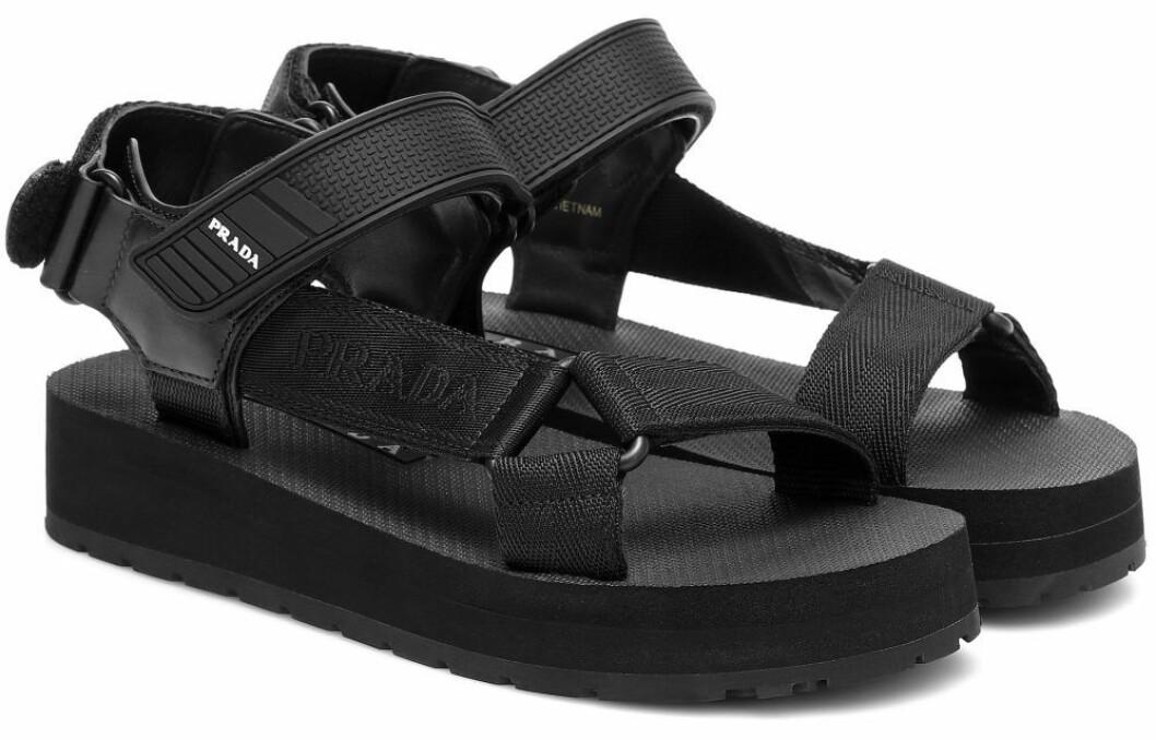 Sandaler i chunky modell från Prada.