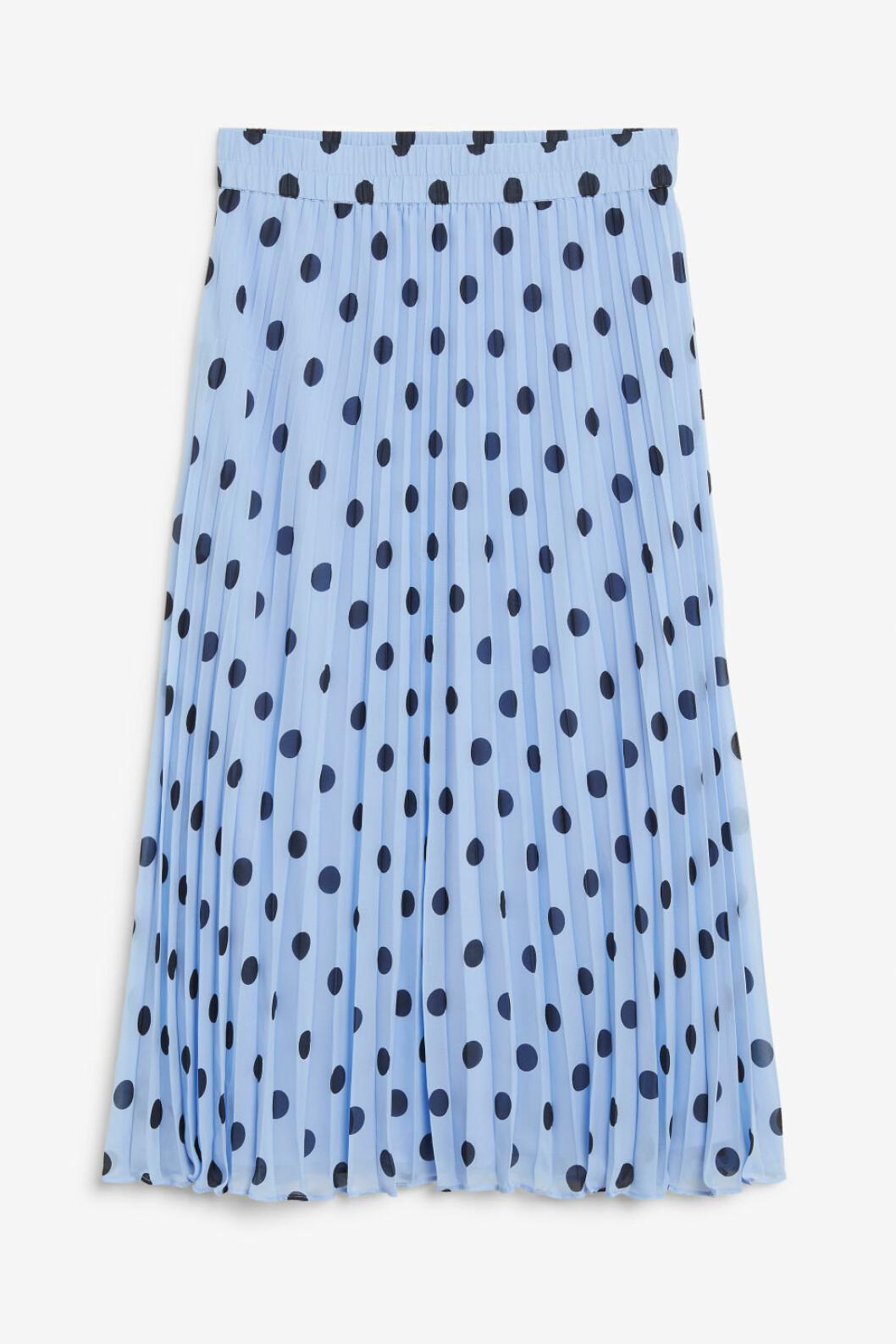 Ljusblå prickig kjol