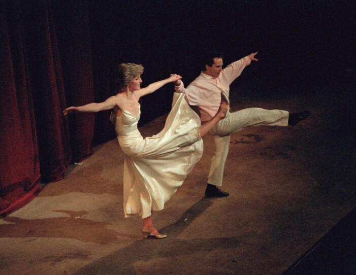 Prinsessan Diana dansar med Wayne Sleep