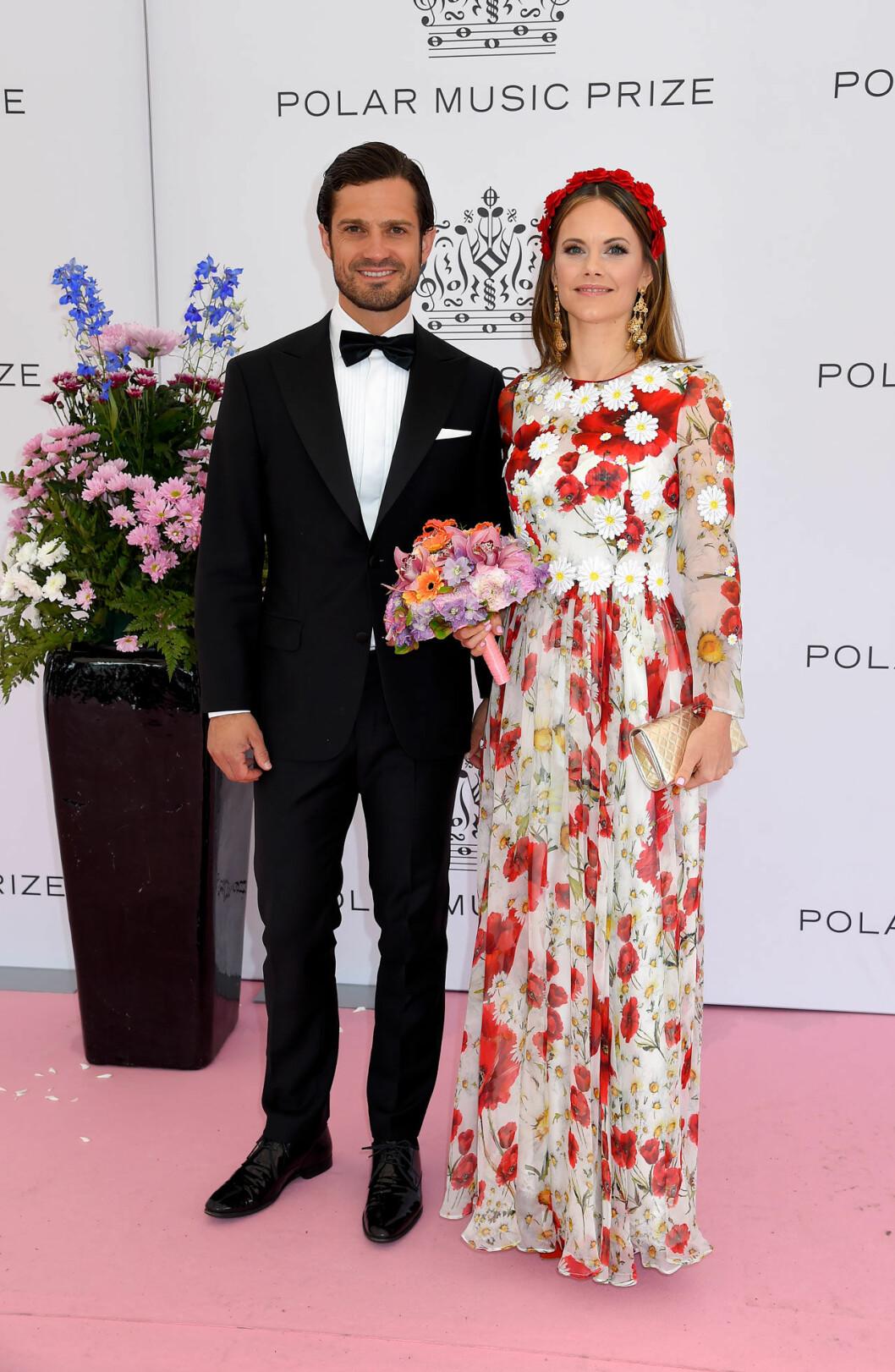 Prinsessan Sofia och prins Carl Philip på rosa mattan på Polarpriset 2019