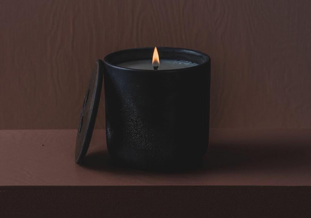 Doftljus från Quod no 1 Black Wood
