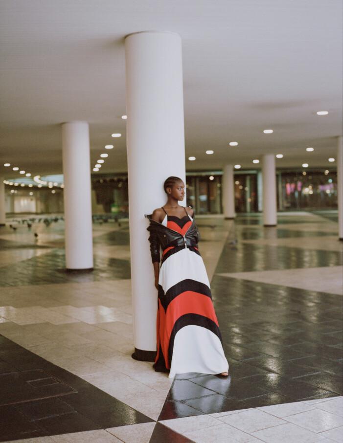 Randig flerfärgad klänning från Louis Vuitton