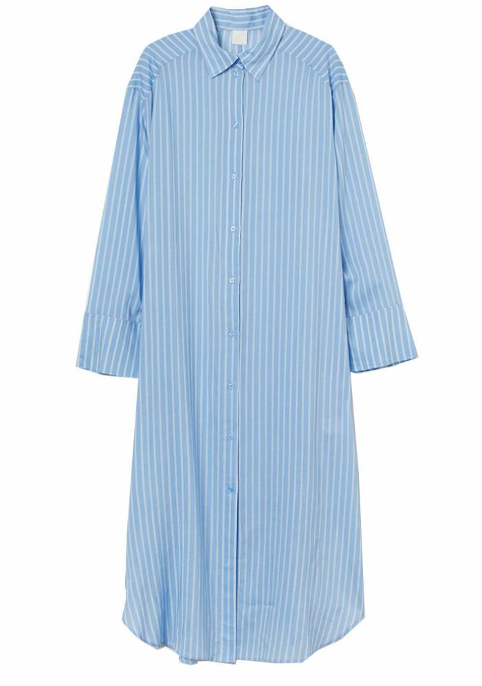blå randig skjortklänning