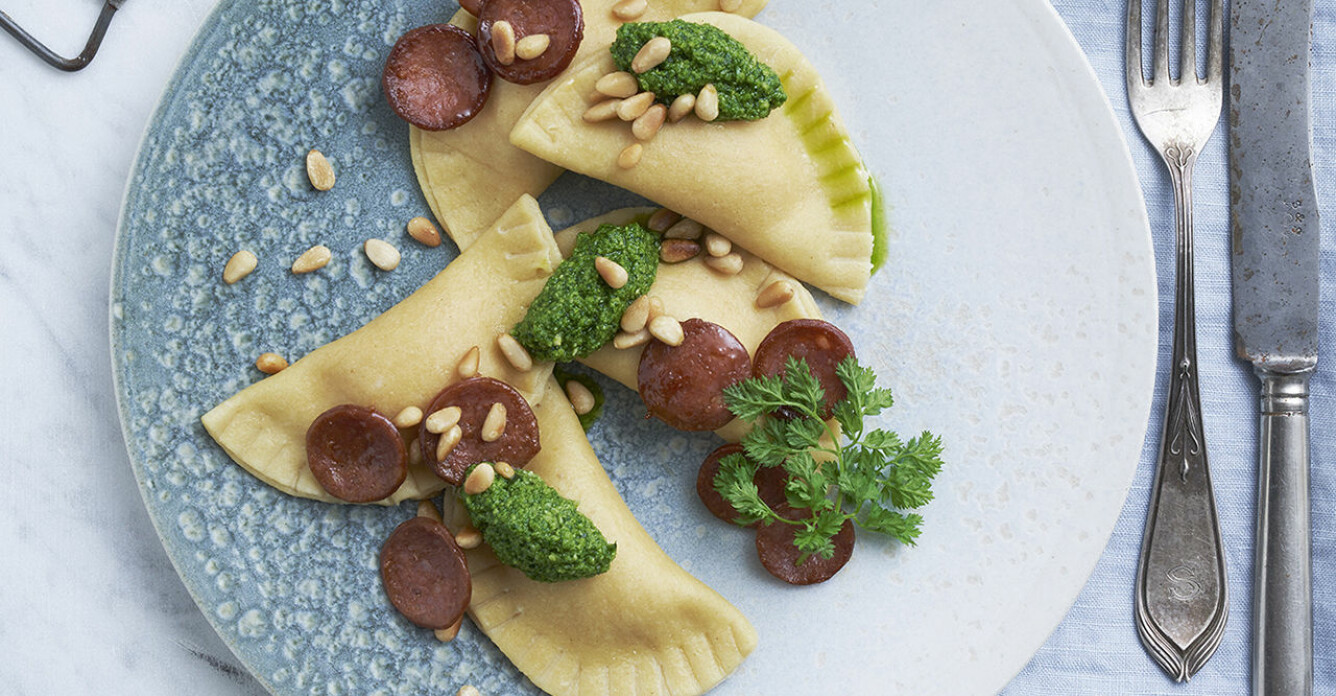 Recept på ravioli mezzaluna med chorizo och sötpotatis