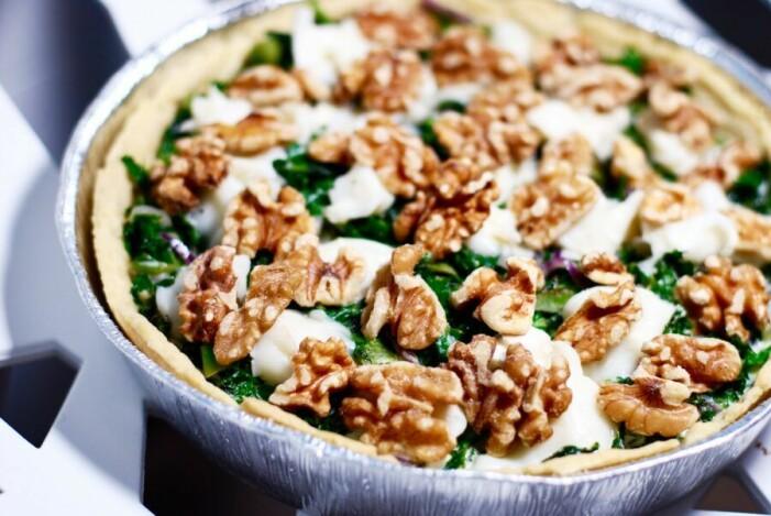 Recept på grönkålspaj med valnötter och chevre
