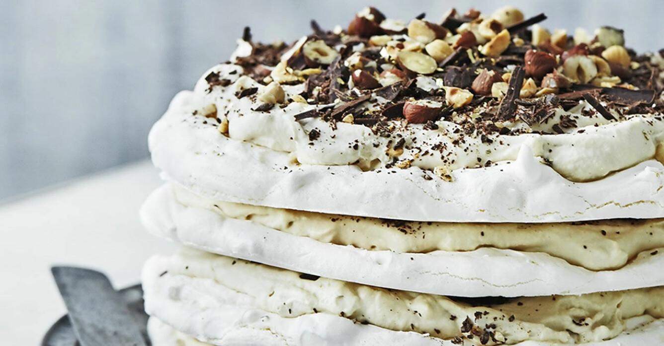Recept på marängtårta med kaffekräm och choklad
