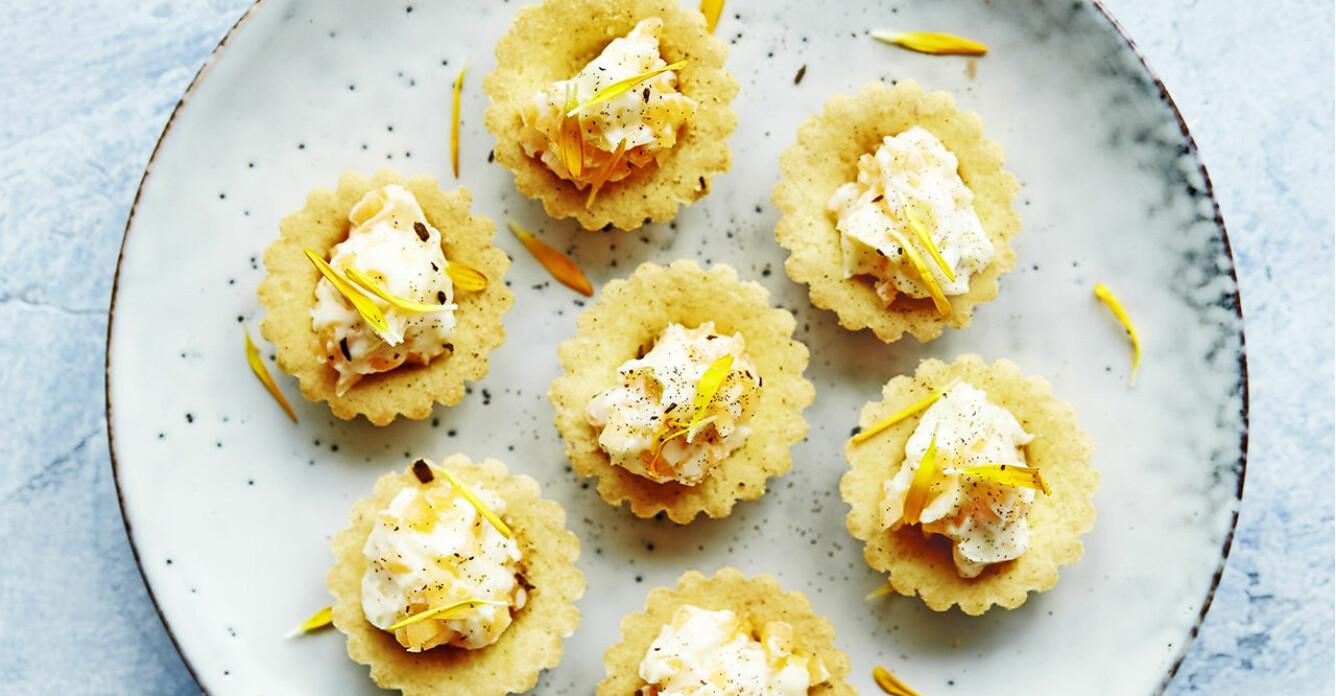 Recept på parmesankrustader med morots- och färskoströra