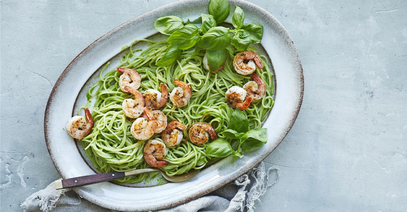 Recept på spaghetti med räkor och avokadokräm