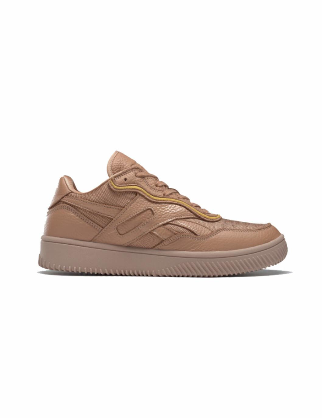 Reebok x Victoria Beckham 2020: beige sneakers