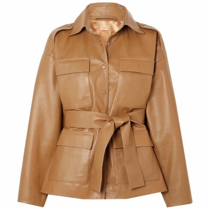 brun utilityjacka i läder