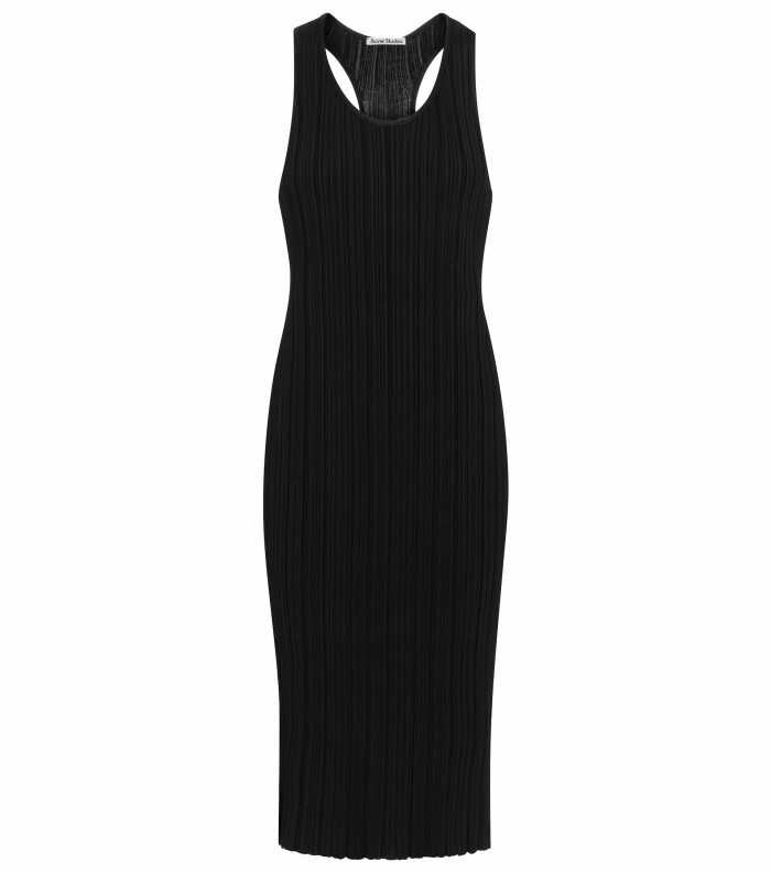 ribbstickad klänning från Acne Studios.