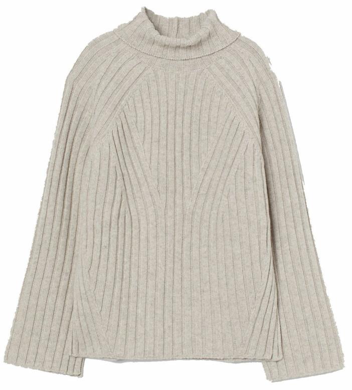 Ribbstickad tröja i ljus nyans från H&M