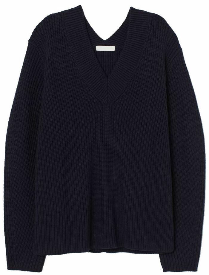 Ribbstickad tröja i marinblått från H&M,