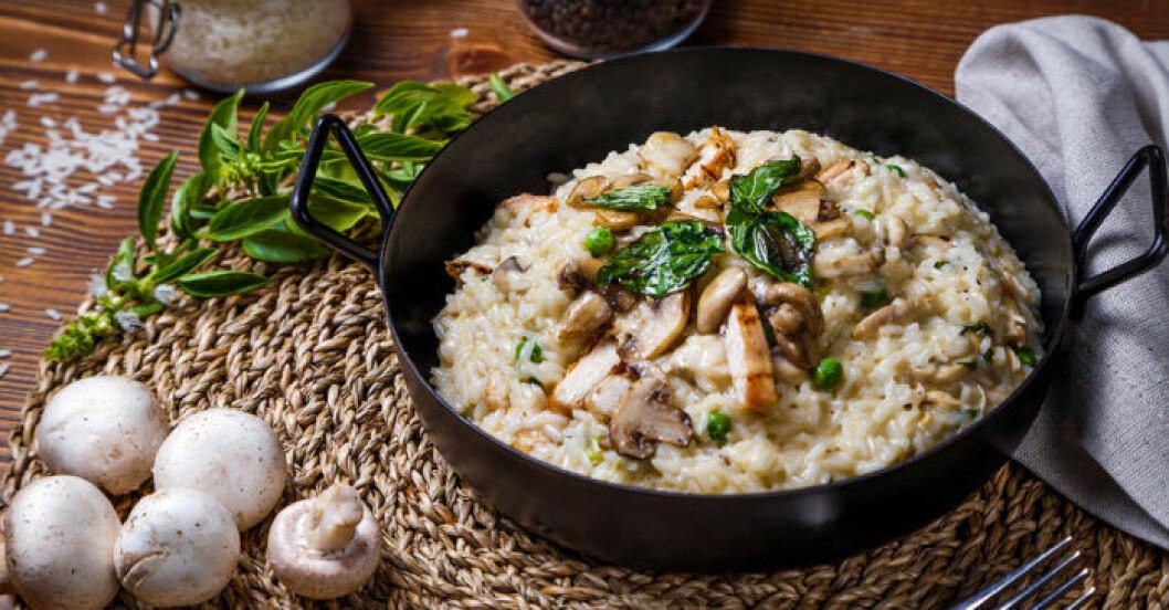 Krämig risotto med kyckling.