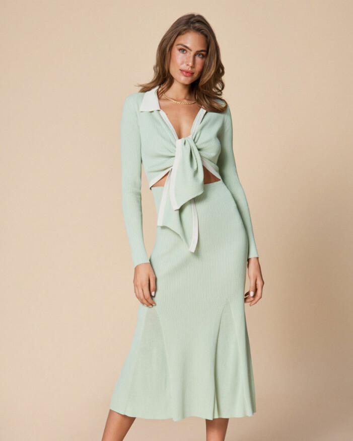 stickad klänning adoore