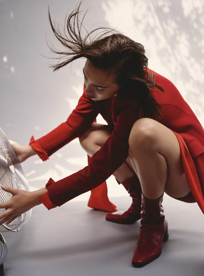 Röd kappa från Marc Cain i vinterns trendfärg rött