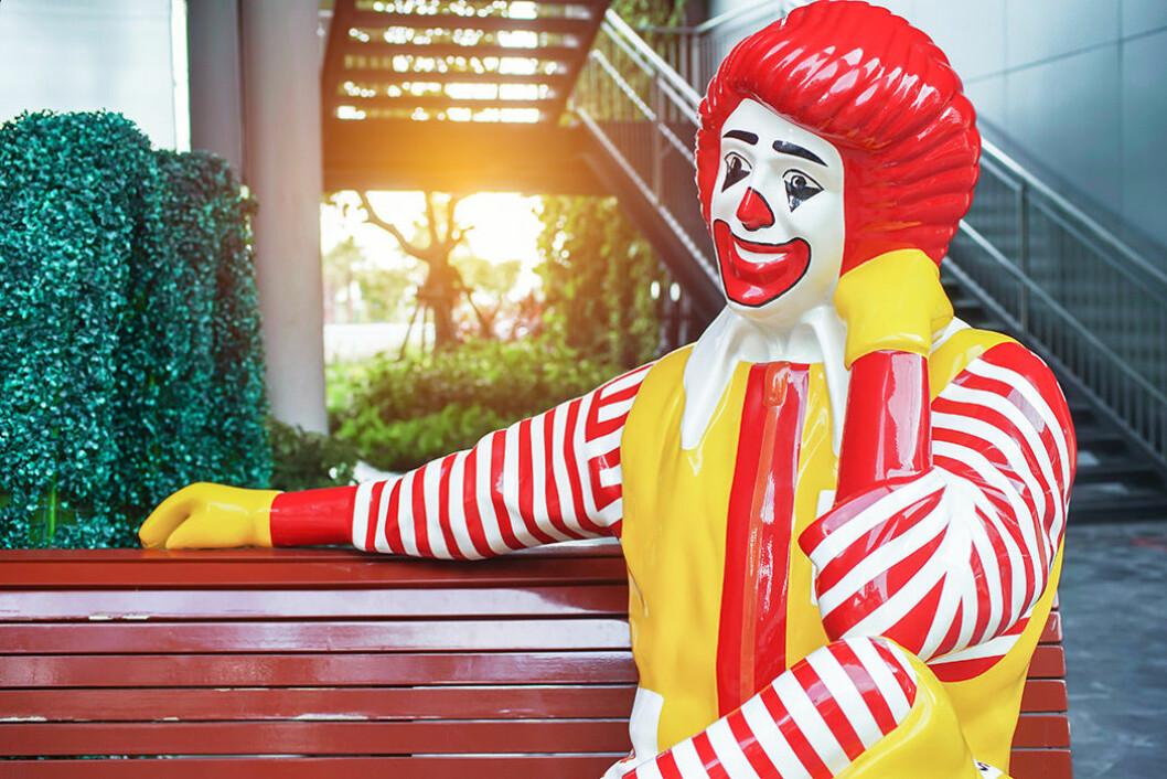 Ronald McDonald är McDonald's maskot.