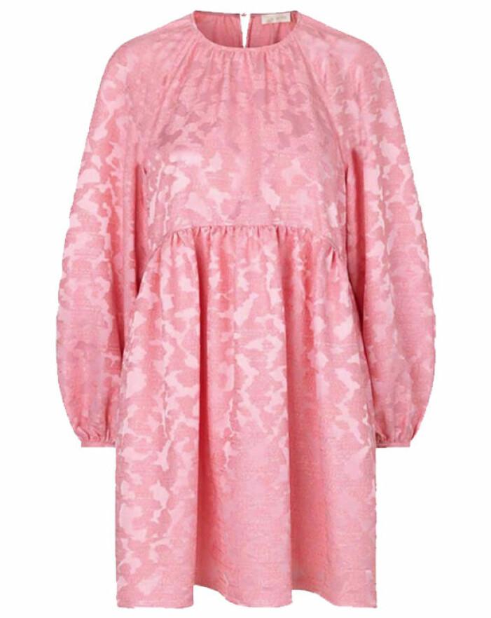 rosa a-linjeformad klänning