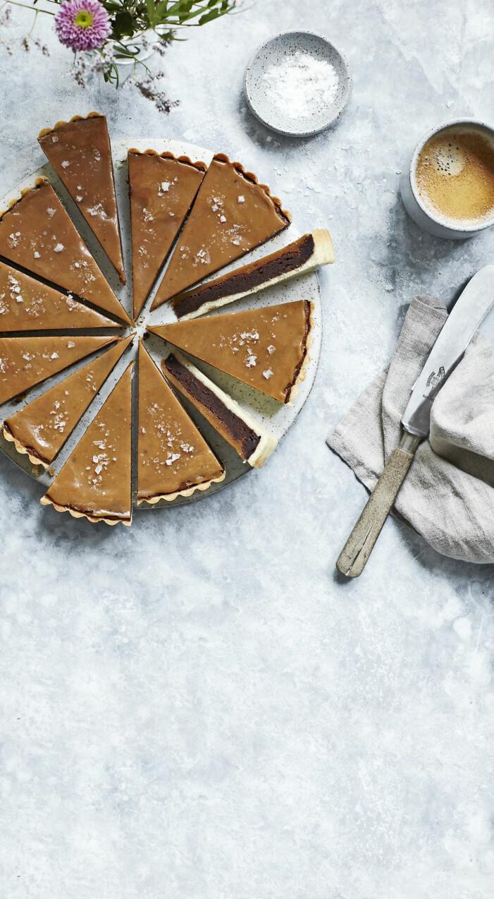 Så gör du chokladpaj med karamell och flingsalt