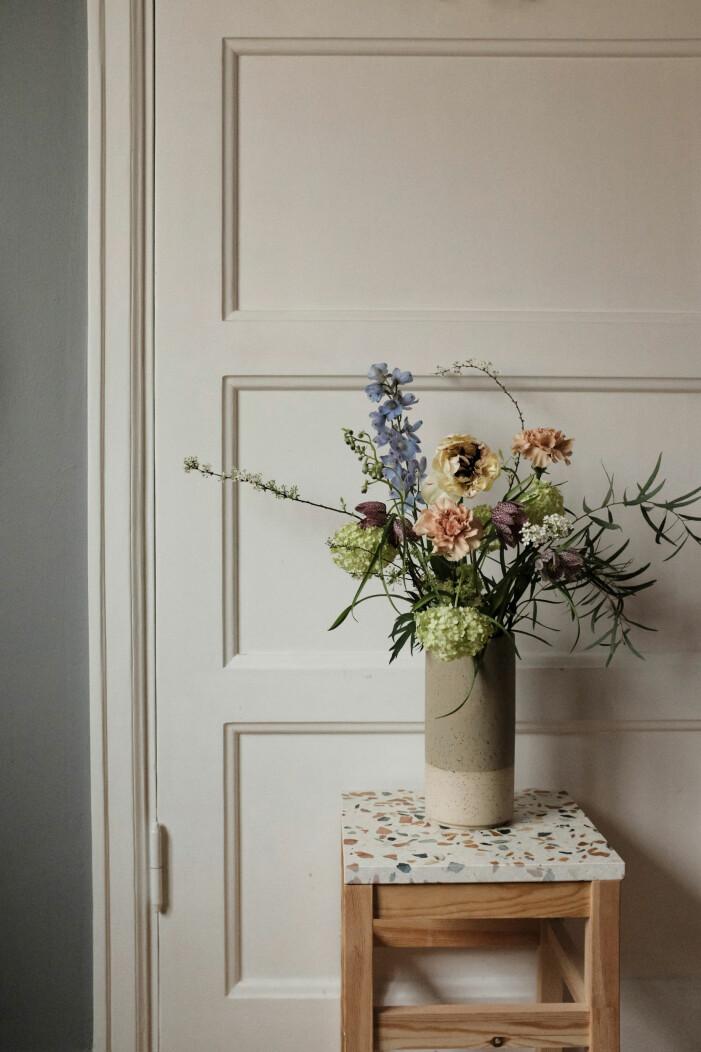 Så skapar du en komplett vasgarderob, hög och rak vas för större blommor