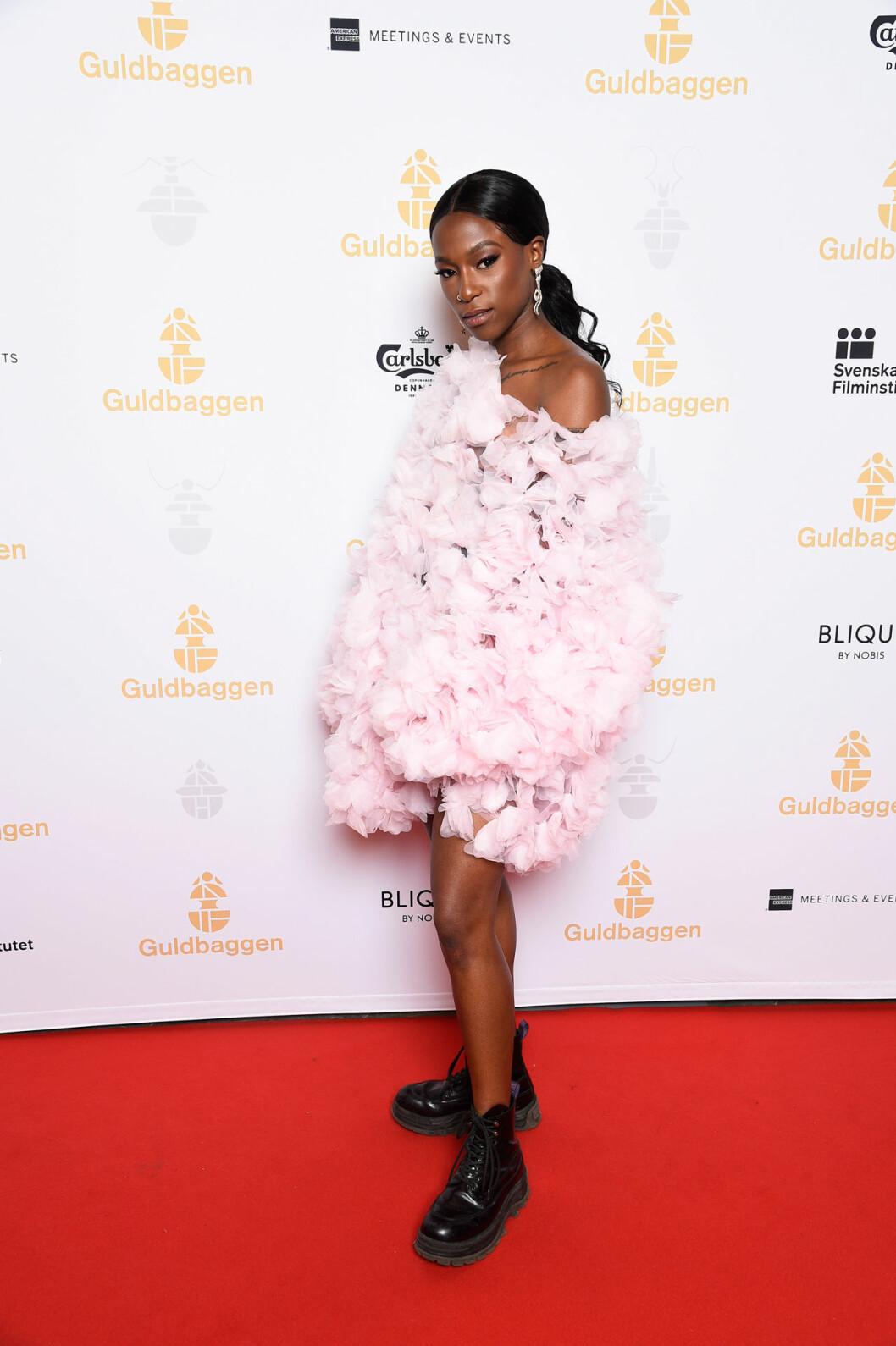Sabina Ddumba på röda mattan på Guldbaggegalan 2020