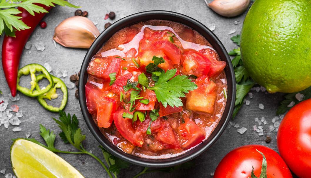 Tomatsalsa med chili och lime.