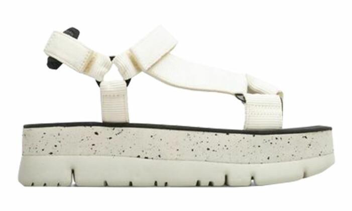 vita sandaler med karborrband