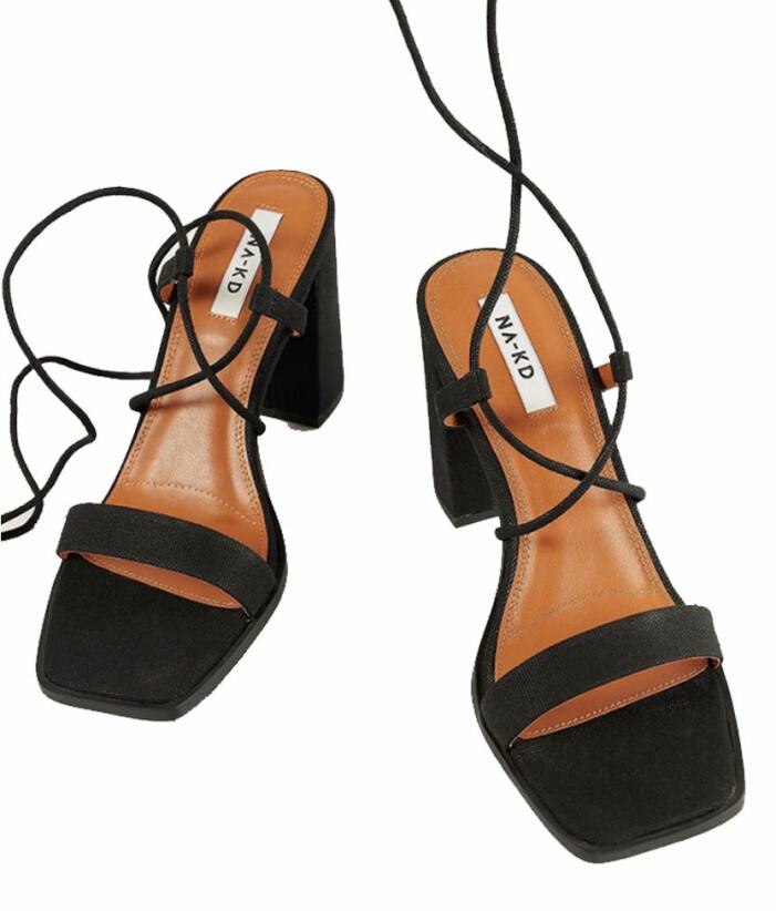 Svarta sandaletter med fyrkantig tå