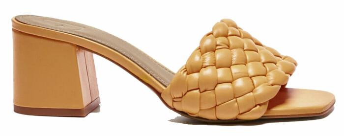 Sandaletter med flätad detalj från Flattered, finns att köpa här.