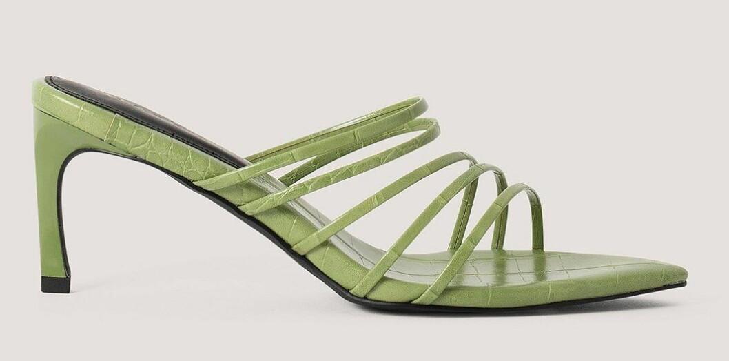 gröna sandaletter med spetsig tå från nakd