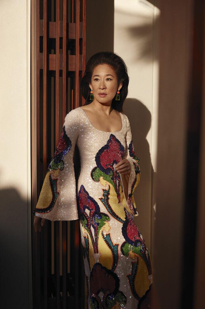 """Sandra Oh är glad över andra skådisar som """"bär sin accent""""."""