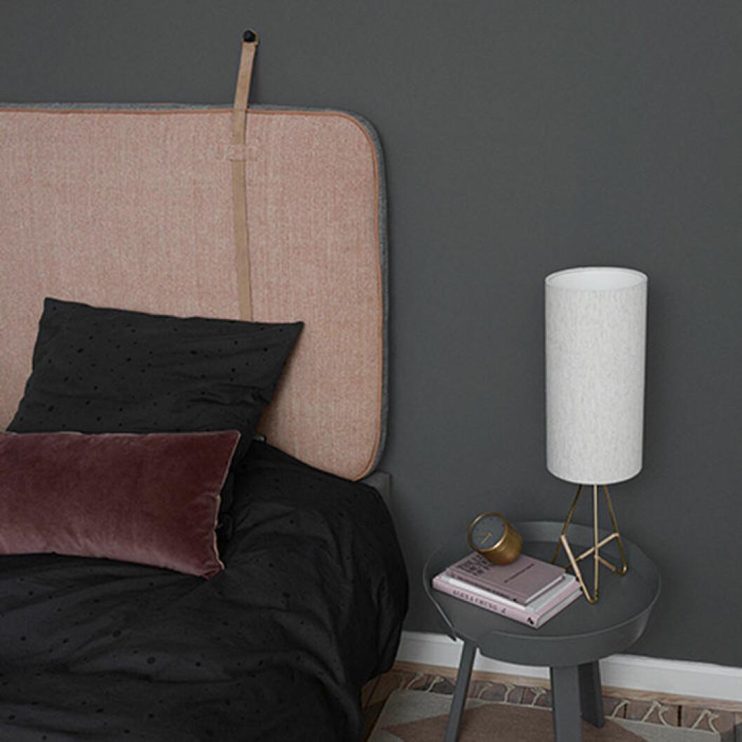 Tvåfärgad sänggavel från OYOY
