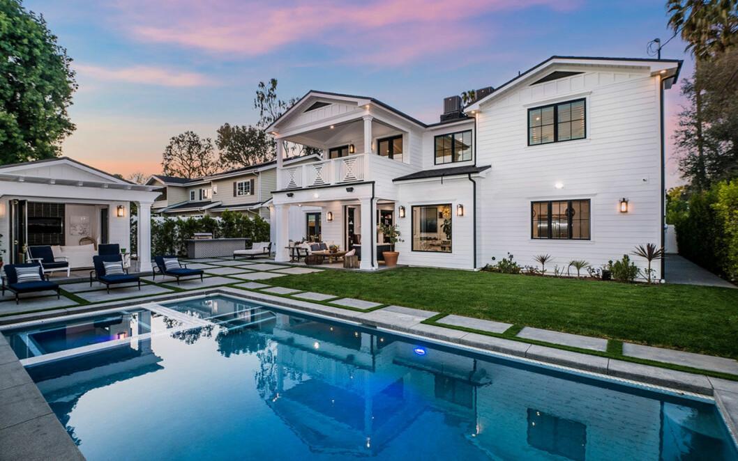 Bild på utsidan av Sarah Hylands nya hus