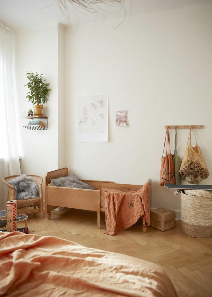 Sarah Memel Törnebäck hemma hos Stockholm vardagsrum sovrum barnsäng