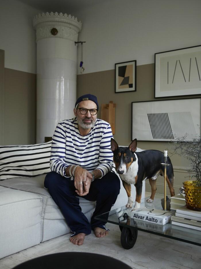 Hemma hos Sasa Antic med hunden Nowak