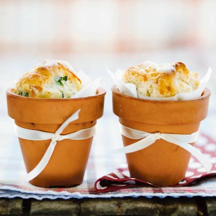 Recept på scones med cheddar och rucola