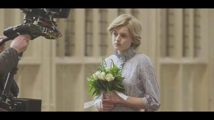 Emma Corrin som Diana