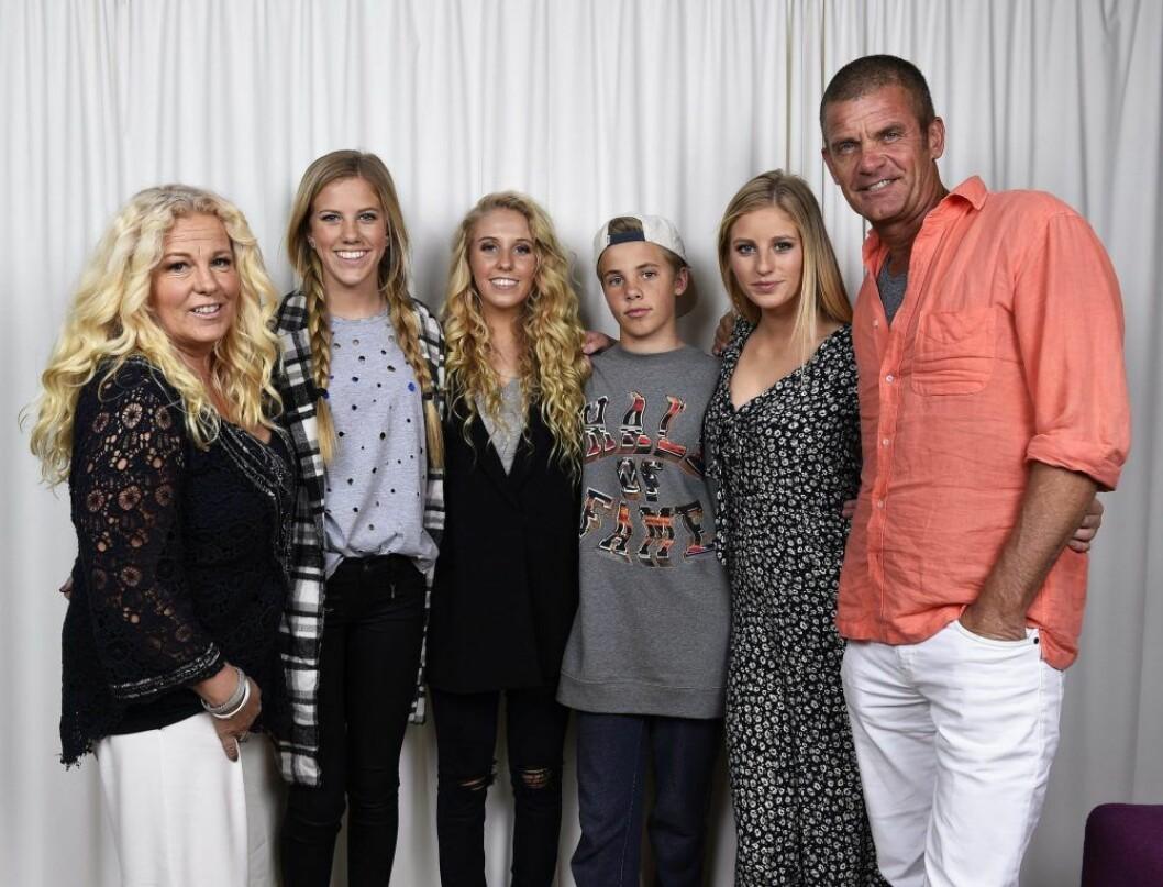 En bild på familjen Parnevik.