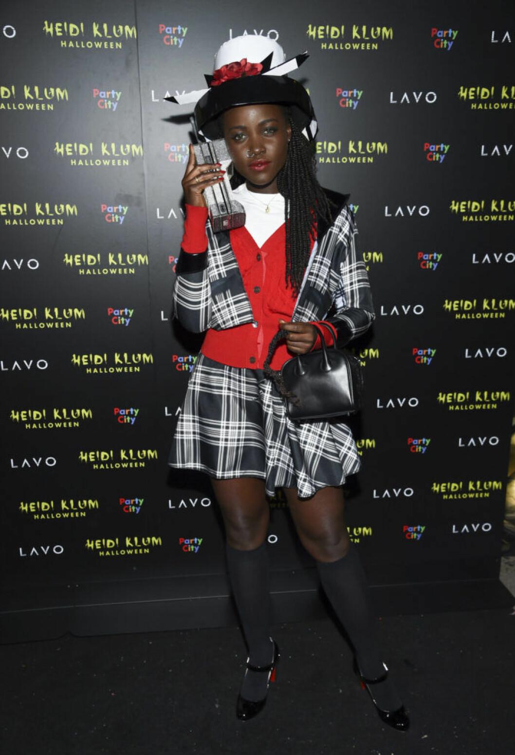 Lupita Nyong'o som Dionne i