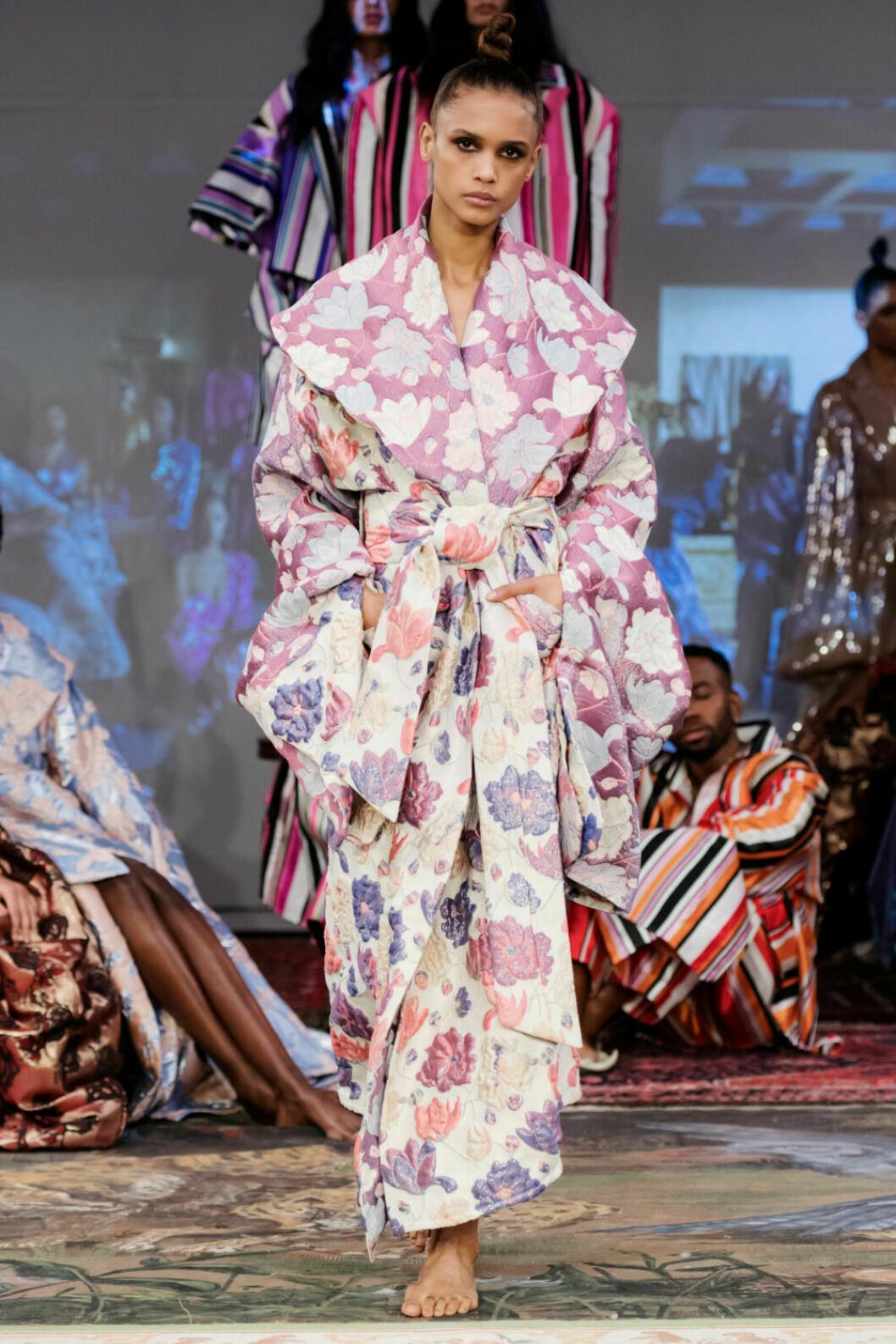 Kimonoinfluenser på Selam Fessahayes AW19–visning på Fashion Week Stockholm