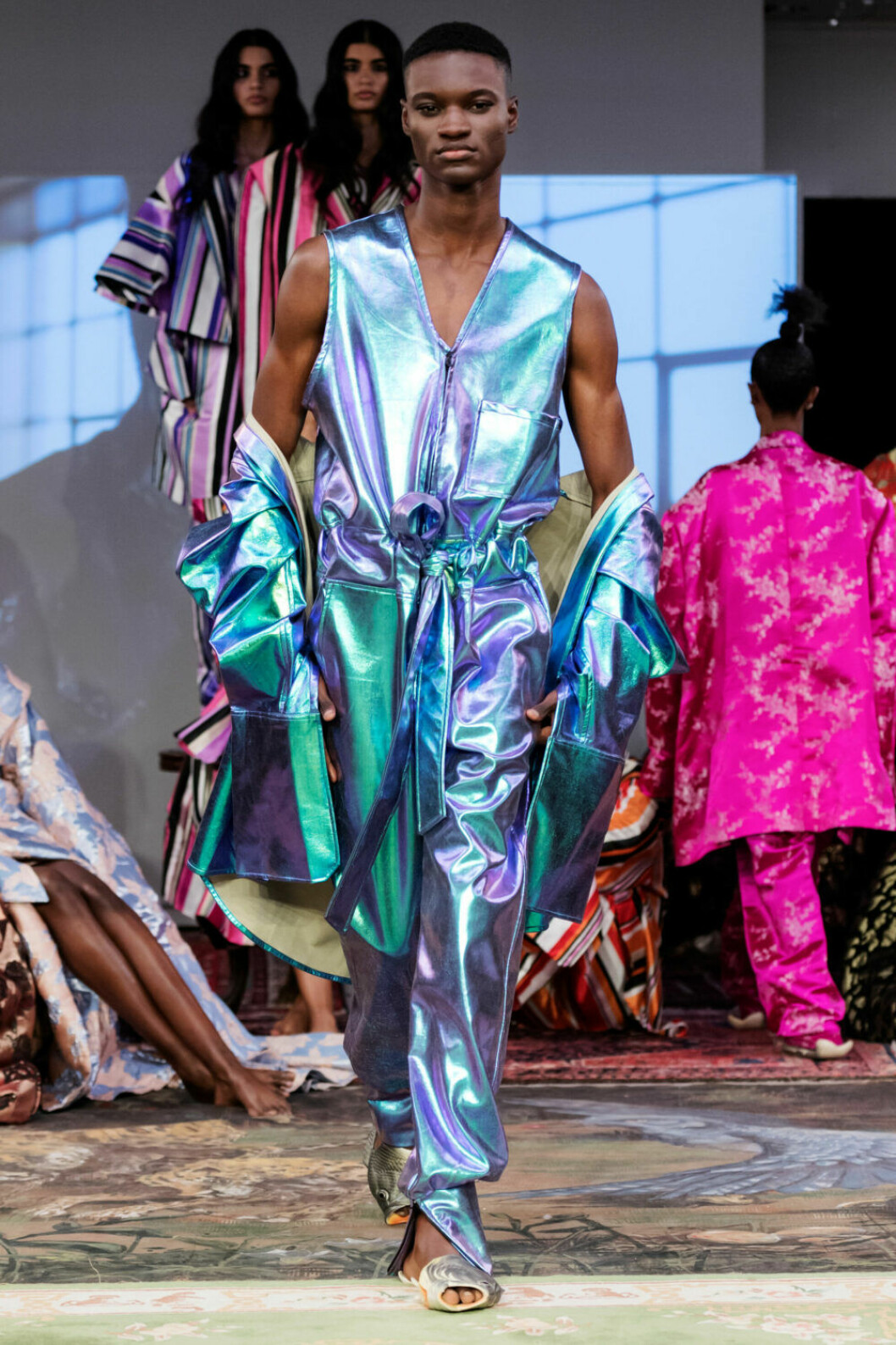 Metalliska toner på Selam Fessahayes AW19–visning på Fashion Week Stockholm